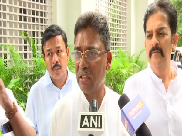 Congress leader and former MP VS Ugrappa (File photo)