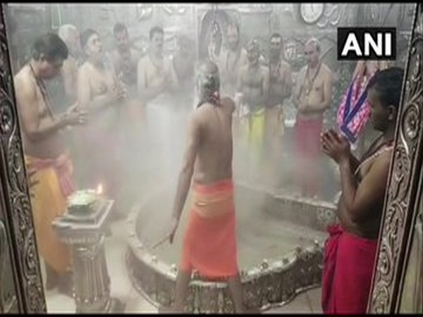 Bhasma Aarti performed at Mahakaleshwar temple in Ujjain even as temple remains closed for devotees on Tuesday. Photo/ANI