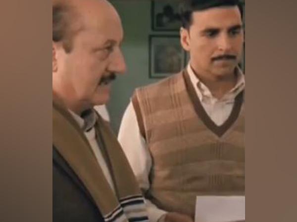 Anil Kapoor and Akshay Kumar (Image courtesy: Twitter)