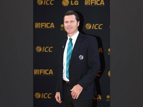 Former Australian umpire Simon Taufel