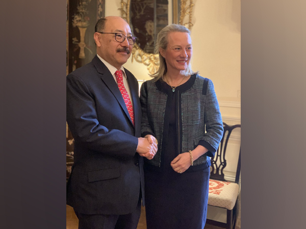 Ambassador Alice Wells, Acting Asst Secy of State for South&Central Asia  with outgoing Indian Ambassador to US Harsh Vardhan Shringla.