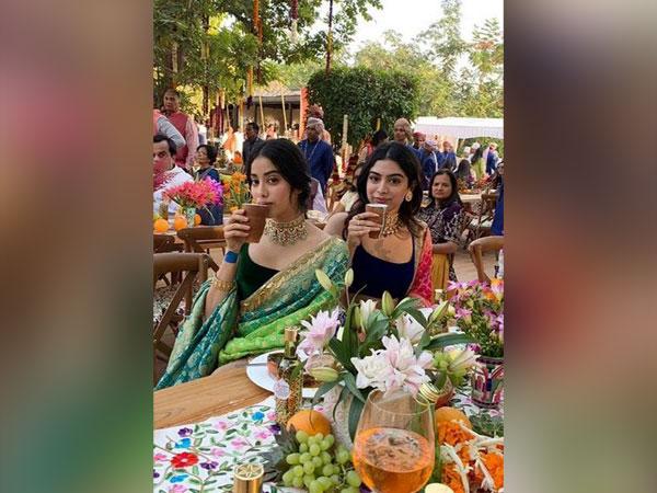 Janhvi and Khushi Kapoor (Image courtesy: Instagram)