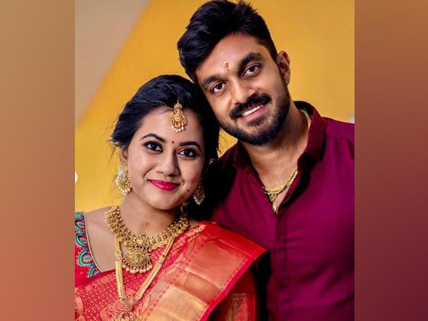 Vijay Shankar with fiancee Vaishali (Image: Vijay Shankar's Instagram)