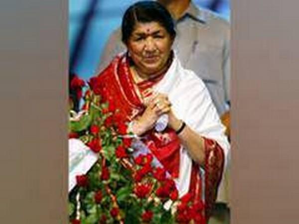 Singer Lata Mangeshkar (file)