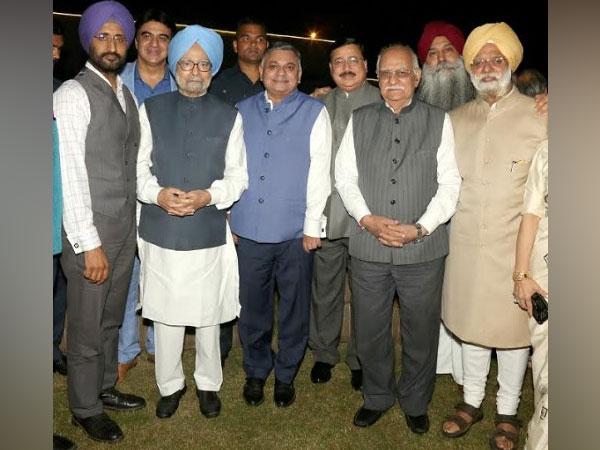 Sukhjit Dhiman. Ashish Anand, Dr. Manmohan Singh, Vineet Nanda, Navneet Soni, BS Nanda, Bhai Baldeep Singh & KTS Tulsi