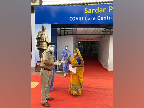 One of the three cured patients, who were discharged from Sardar COVID Care Centre and Hospital, Chhatarpur. (credit: ITBP twitter)