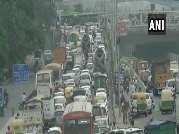 Traffic jam at the Anand Vihar area in New Delhi (file photo)