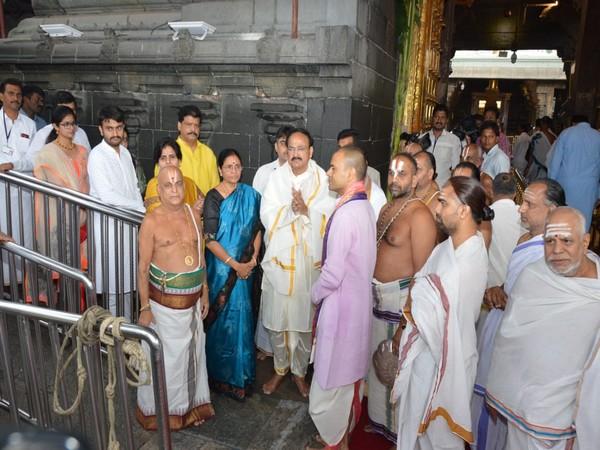 Vice President Venkaiah Naidu visits Tirumala temple to worship Lord Balaji. [Photo/ANI]