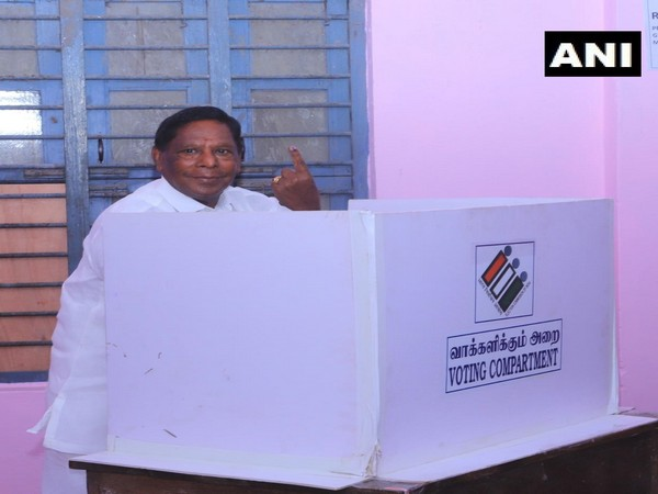 Former Puducherry CM and Congress leader V.Narayanasamy casts his vote in Puducherry assembly elections (Photo/ANI)
