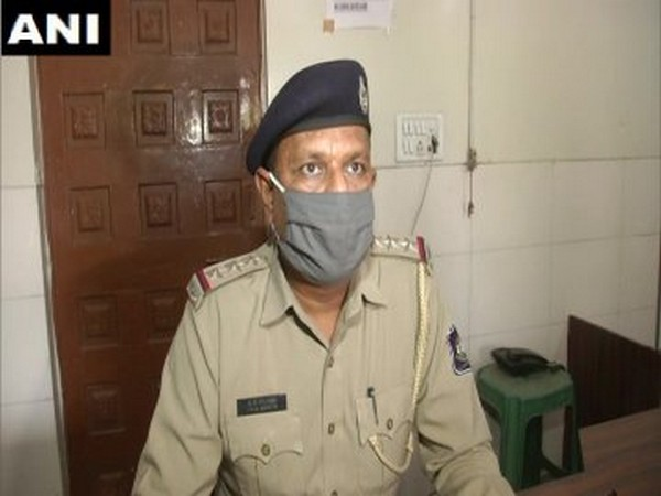 SG Solanki, Assistant Commissioner of Police, Syajiganj Station speaking to ANI in Vadodara on Tuesday. Photo/ANI