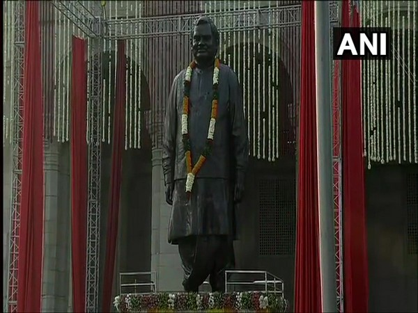 The statue of former Prime Minister Atal Bihari Vajpayee unveiled Lok Bhawan, Lucknow on Wednesday. Photo/ANI