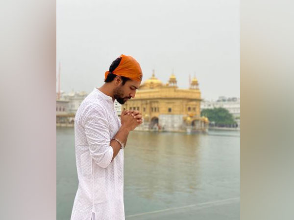 Vicky Kaushal at Golden Temple, Picture courtesy: Instagram