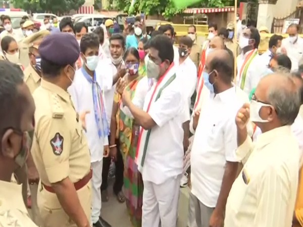 Andhra Pradesh Congress Committee members protest against the new farm Acts in Vijaywada. (Photo/ANI)