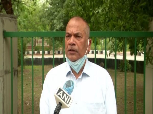 Vikram Singh speaking to ANI in Gautam Buddh Nagar on Sunday. [Photo/ANI]