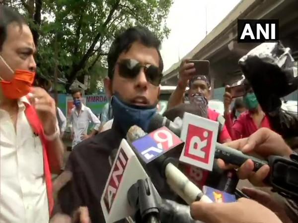 Patna SP Vinay Tiwari speaking to reporters in Mumbai on Friday. Photo/ANI