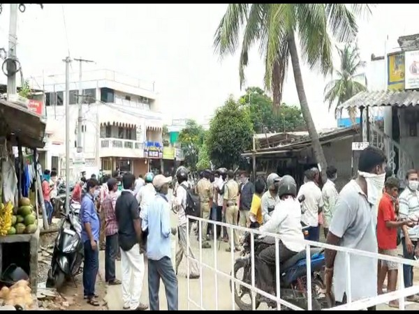 A visual from outside a liquor shop in Visakhapatnam district of Andhra Pradesh on Monday.