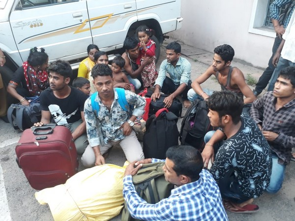 16 people, including six Bangladesh nationals, were apprehended from Visakhapatnam Railway Station