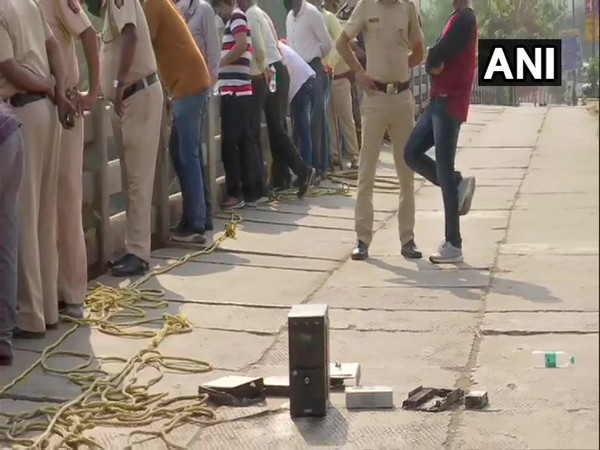 The agency's divers recovered computer CPUs, two number plates carrying the same registration number, and other items from the Mithi river (Photo/ANI)