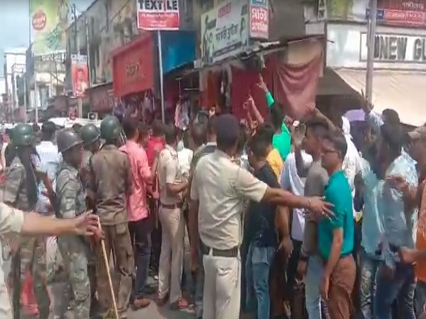 Visuals of group of people and police clash in North 24 Parganas, West Bengal