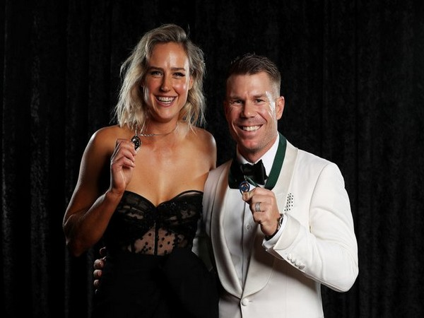 Ellyse Perry (L) and David Warner (R) (Photo/Cricket Australia Twitter)