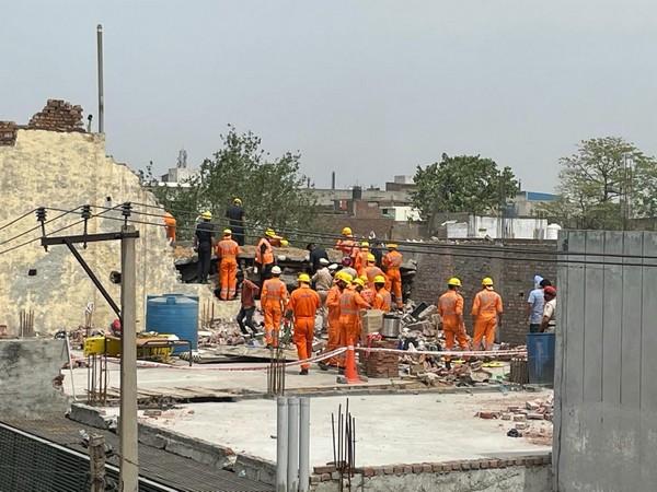 Rescue operation in Ludhiana (Photo/ANI)