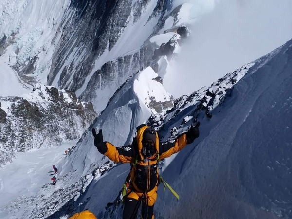 Bharat Thamminenu summits Mt. Lhotse