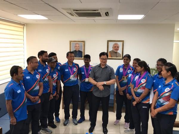 Sports Minister Kiren Rijiju with Indian archery contingent