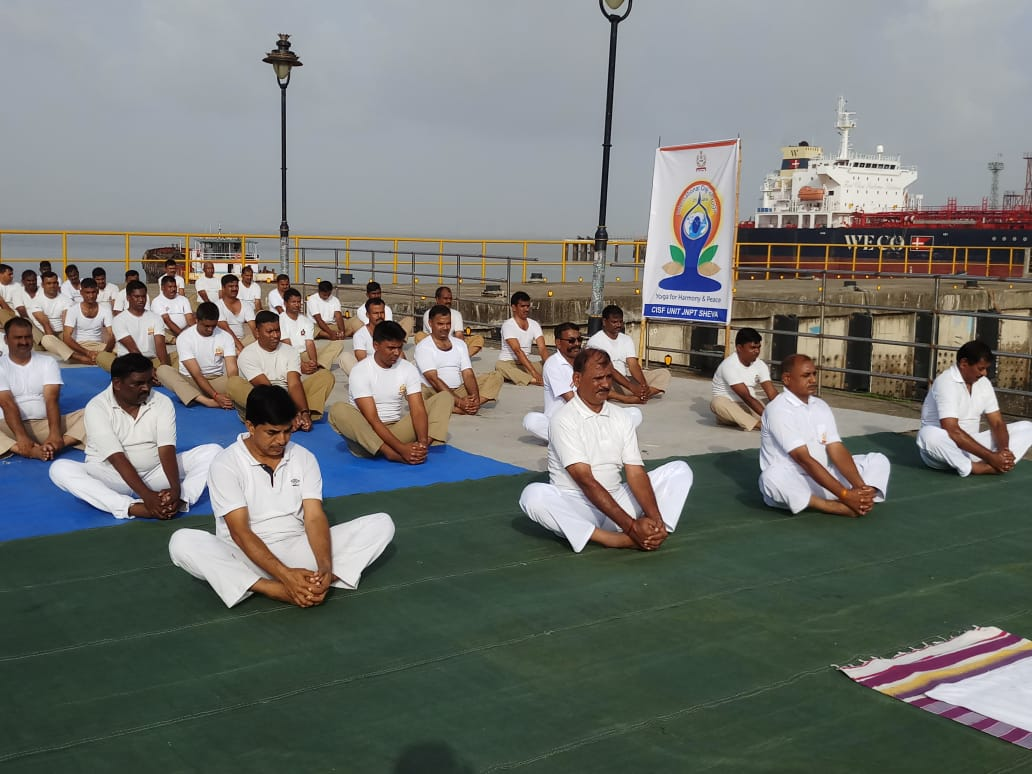 CISF personnel performing yoga (File photo)