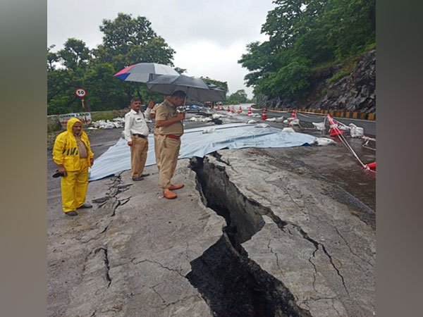 A huge crack developed on the state highway connecting Mangalore to multiple neighboring states. Photo/ANI