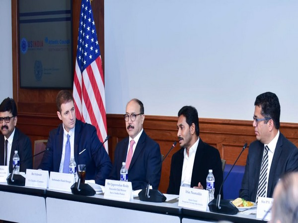 CM Jagan Mohan Reddy with Indian Ambassador to the US,  Harsh V Shringla, and business representatives in Washington on Saturday.