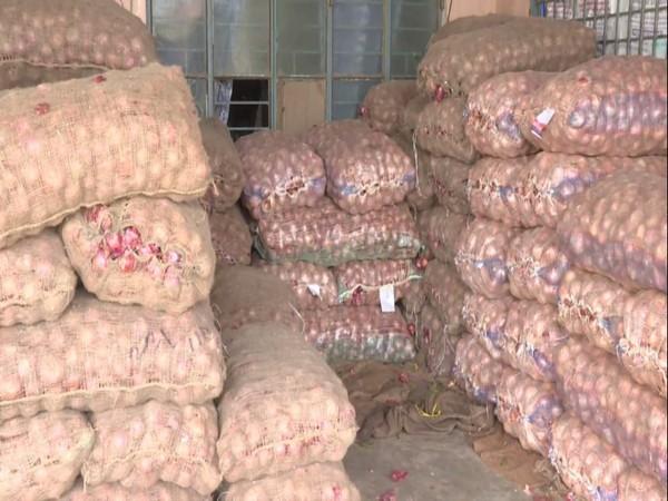 Onions in the local market of Shivamogga in Karnataka. Photo/ANI