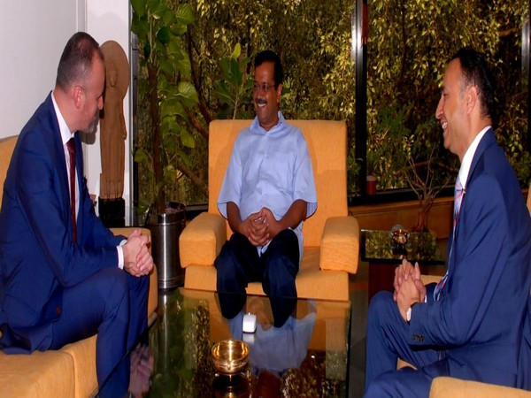 Australia's Canberra Chief Minister Andrew Barr and Deputy High Commissioner to India, Rodney Hiltonheld talks with Delhi Chief Minister Arvind Kejriwal on Monday. Photo/ANI