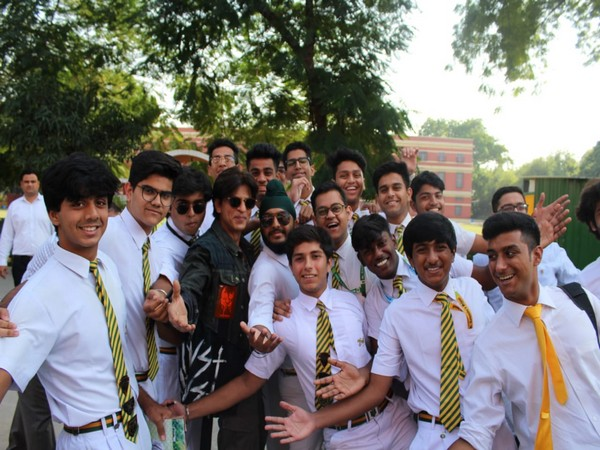 Shah Rukh Khan with the students at his alma mater St. Columba's School, Delhi