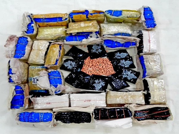 About 29 packets of amphetamines, weighing 6,400 kg was seized in Kolkata.