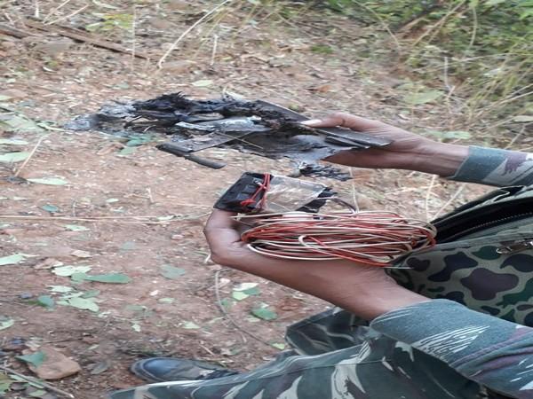 CRPF defuses IED bomb found in Bastar. Photo/ANI