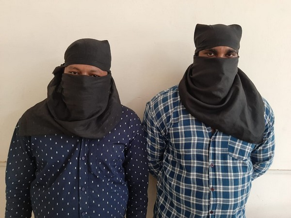 Two criminals arrested by a special team of Delhi police on Saturday. Photo/ANI