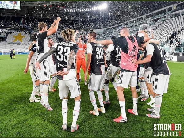 Juventus players celebrating after winning ninth successive Serie A title. (Photo/ Juventus Twitter)