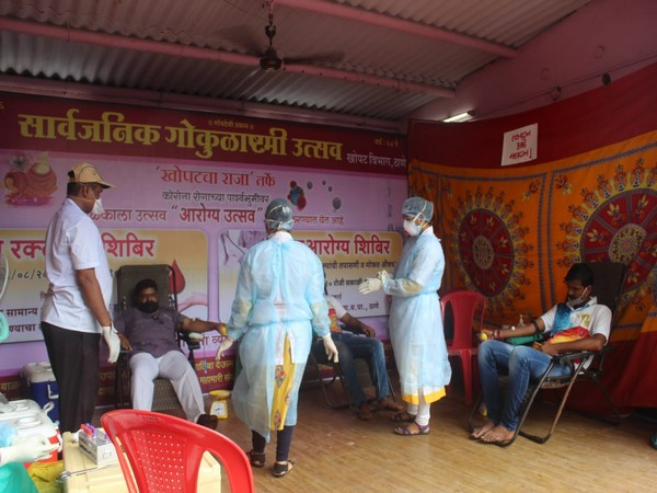 A picture of 'Dahi-Handi' committes organising health camps in Mumbai (Image Source: Dahi Handi Samnvay Samiti)