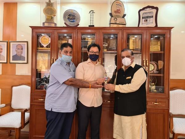 Narinder Batra and Rajeev Mehta meet with Kiren Rijiju