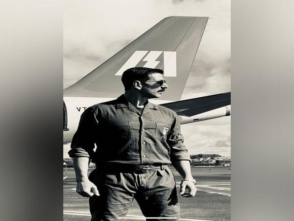 Akshay Kumar's new look from 'Bell Bottom' (Image courtesy: Instagram)