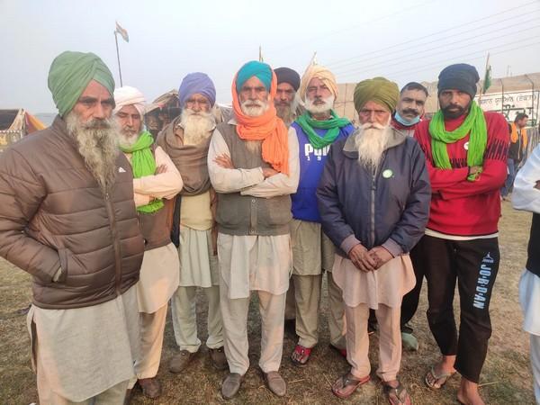 Agitating farmers in Burari (Photo/ANI)