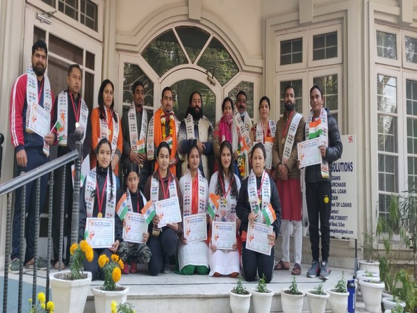 Gaurav Ramola (fifth from the left) with winners of cultural programmes at Doon Yogapith.