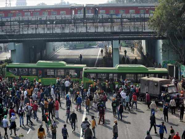 File Photo of DTC buses being vandalised during Kisan tractor rally at ITO in New Delhi