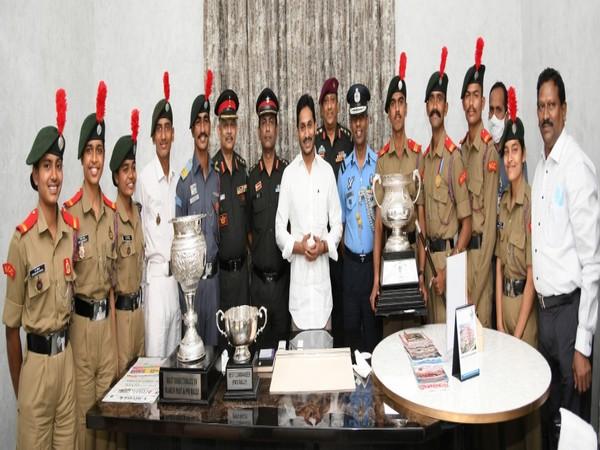 YS Jagan Mohan Reddy rewards Rs 2 lakh to PM trophy winners