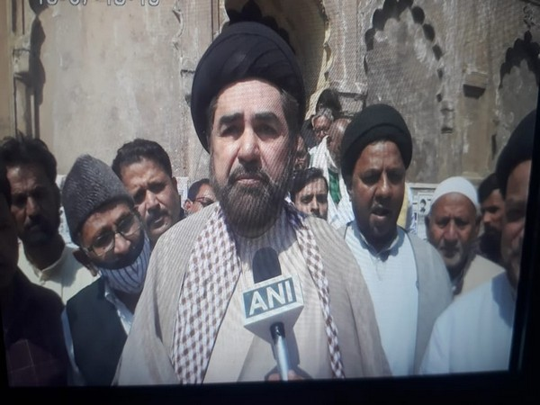 Shia cleric, Maulana kalbe Jawad speaking to ANI. (Photo/ANI)