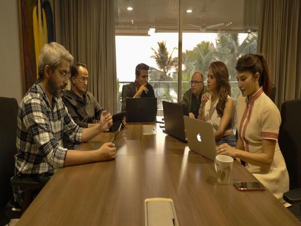 Akshay Kumar with his team at 'Ram Setu' script reading session