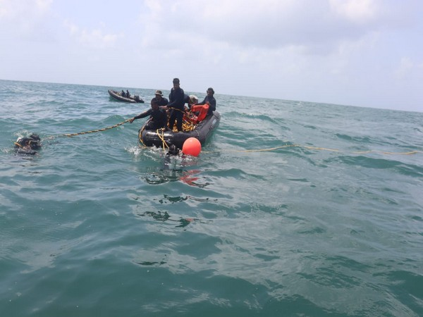 INS Makar conducts diving operations on the wreck of tug Varaprada. [Photo/ANI]