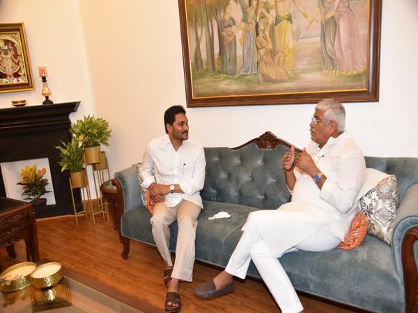Andhra Pradesh CM in discussion with Jal Shakti Minister Gajendra Singh Shekhawat