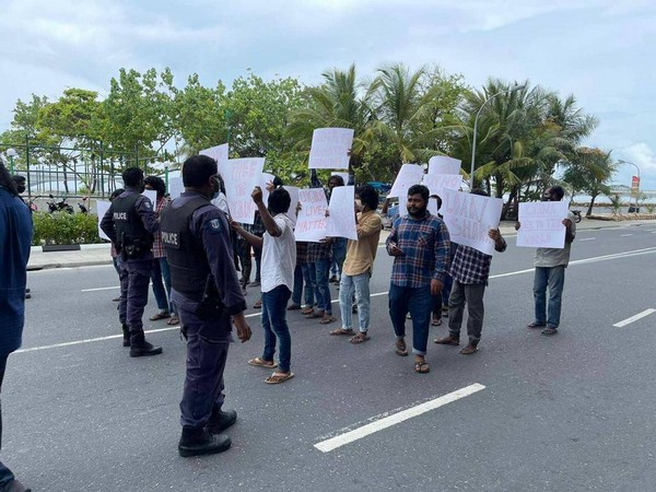 Maldives Police Service had later cordoned off the road following reports of protests, the Times of Addu reported.