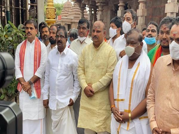 from left to seconf AP BJP president Somu Veerraju, (Photo/ANI)